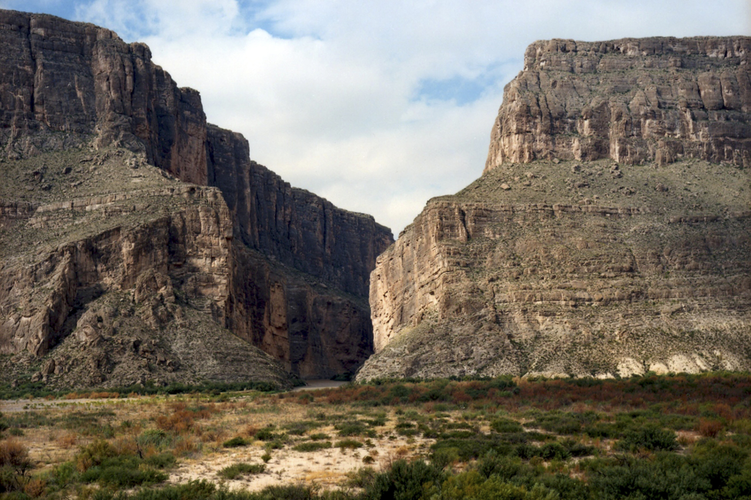 Untitled (Santa Elena Canyon) Big Bend National Park, Texas, October 3, 2010  © Victoria Sambunaris
