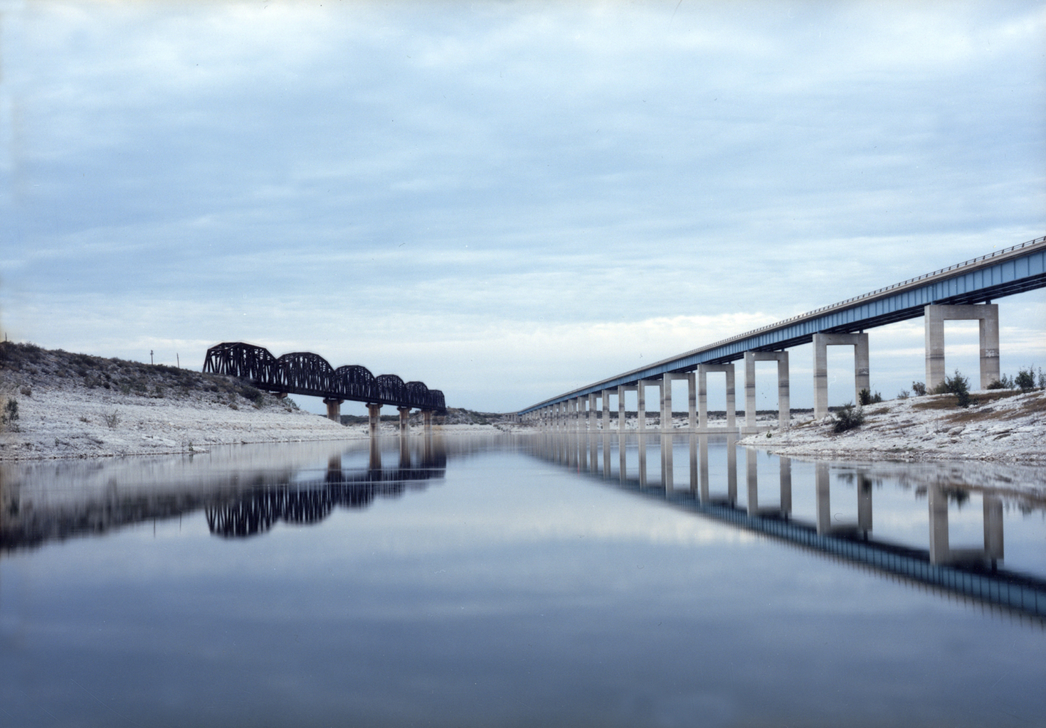 Untitled (bridges), Del Rio, Texas 2013  © Victoria Sambunaris