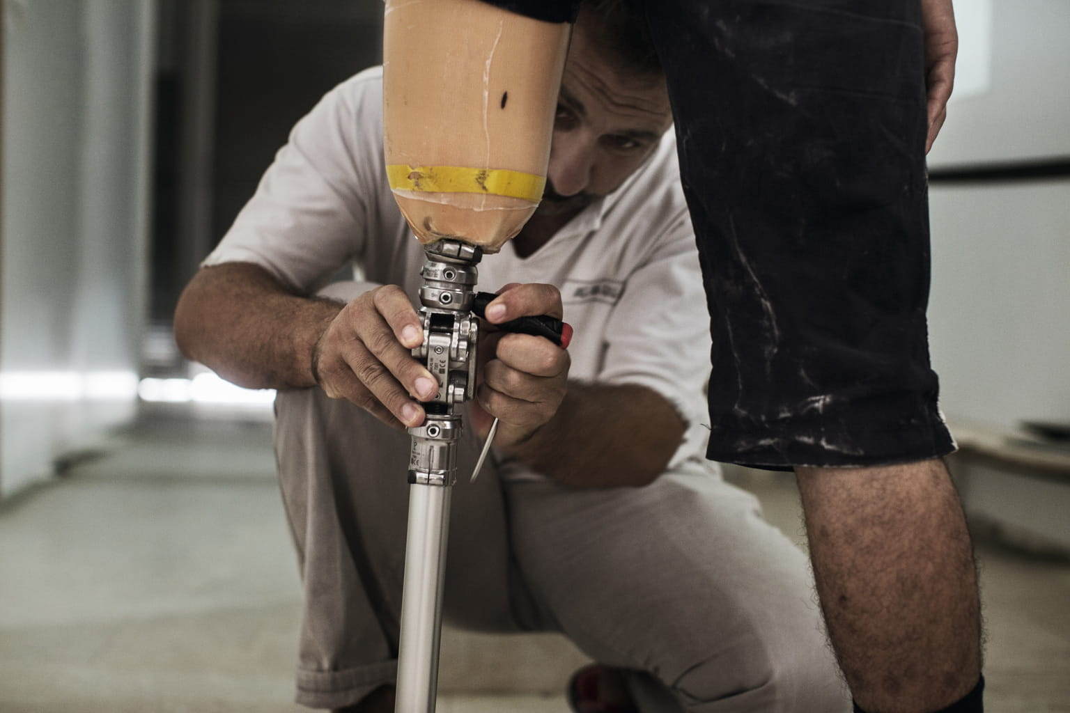 September 14, 2015, Reyhanli, Turkey. The staff continue training under doctors in Ankara and Germany and are seeking ISPO certi cation (International Society for Prosthetics and Orthotics).